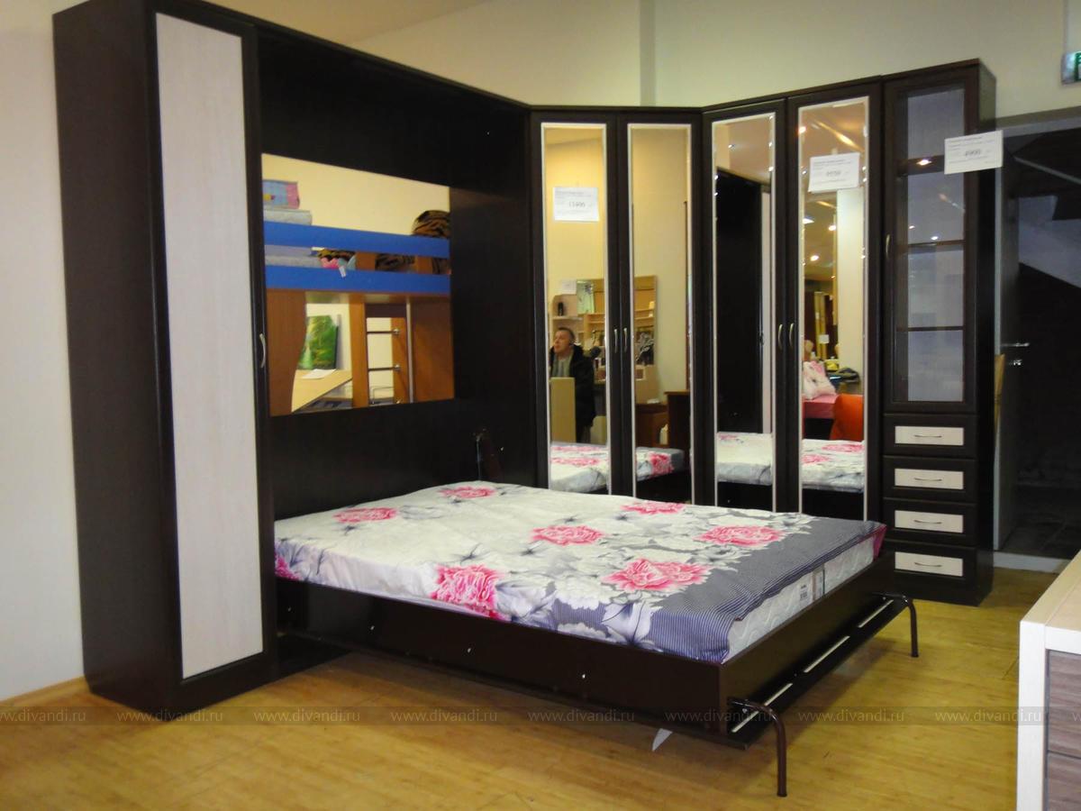 кровать встроенная в угловой шкаф фото постепенно стекающие